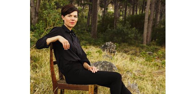 Angela Deuber