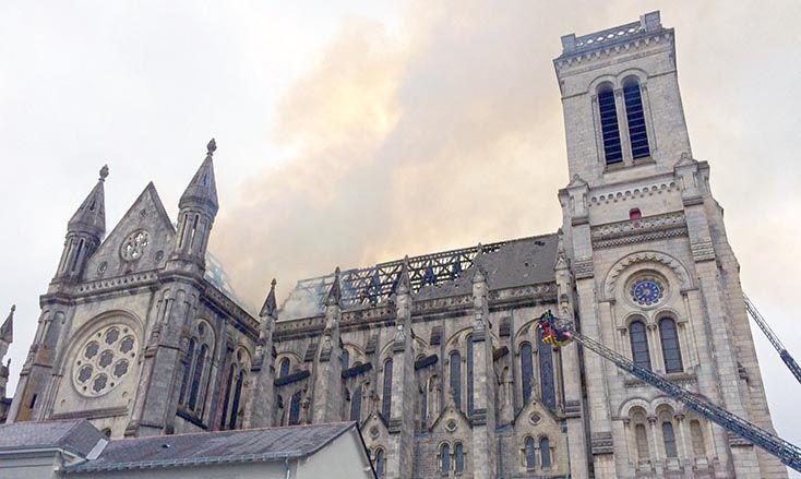 Incendie Basilique Saint-Donatien de Nantes - Photo : mairie de Nantes