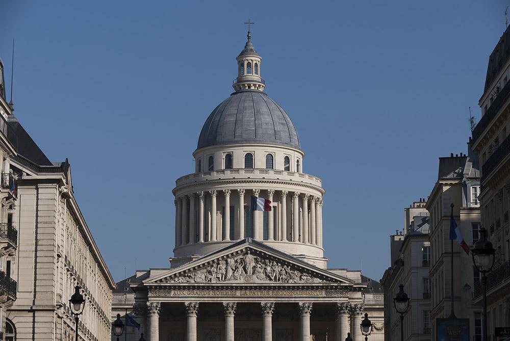 Pantheon-vue-depuis-la-rue-Soufflot-Benjamin-Gavaudo---Centre-des-monuments-nationaux