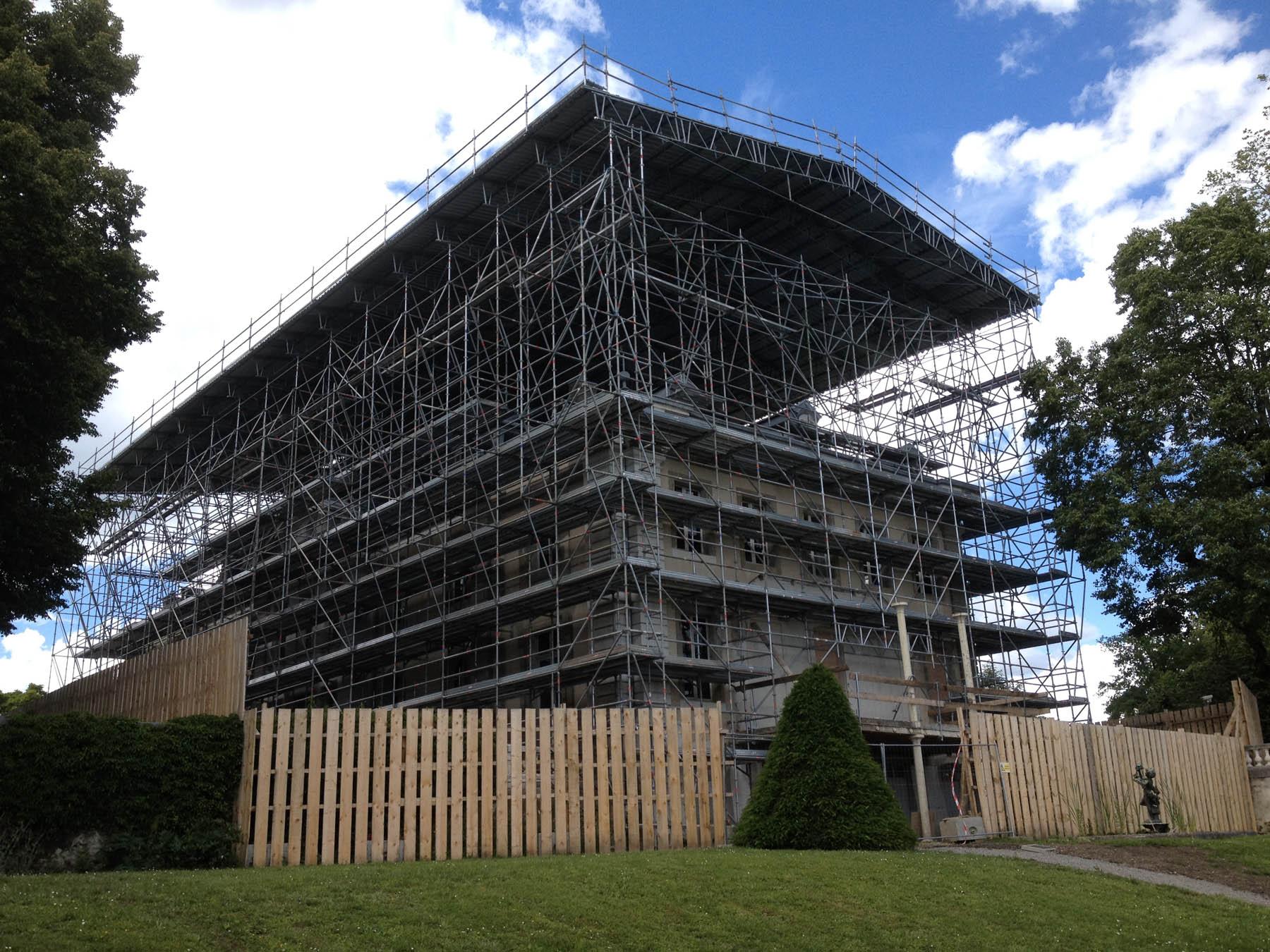 3-Montage de echafaudage - chateau de Voltaire CMN