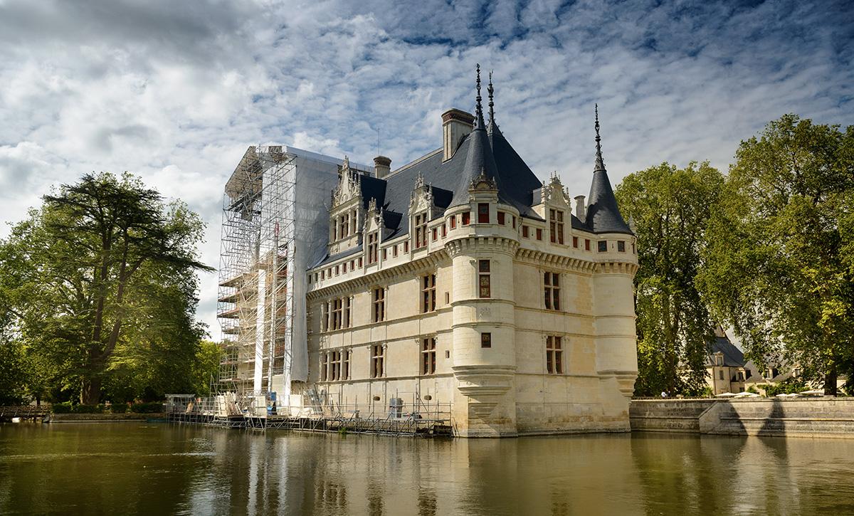 Facade-restauree-Cheteau-d-Azay-Leonard-de-Serres-CMN