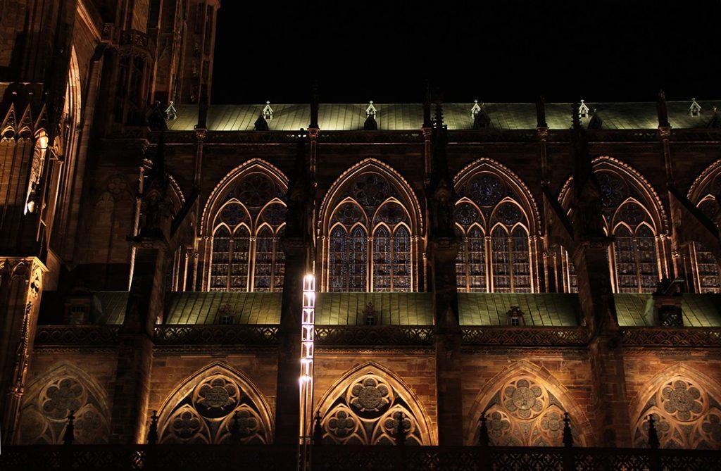cathedrale-notre-dame-strasbourg-france-mise-en-lumiere-perenne-conception-lumiere-l-acte-lumiere-vincent-laganier-1