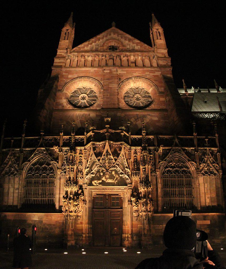 cathedrale-notre-dame-strasbourg-france-mise-en-lumiere-perenne-conception-lumiere-l-acte-lumiere-vincent-laganier-4