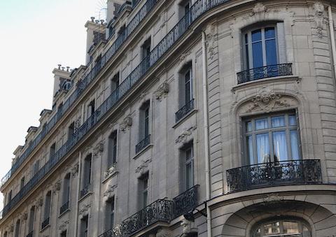 660 Menuiseries En Chêne Massif Pour La Rénovation Des Fenêtres Dun