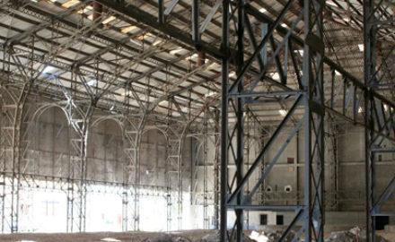 Destruction de la Halle Lustucru d Arles