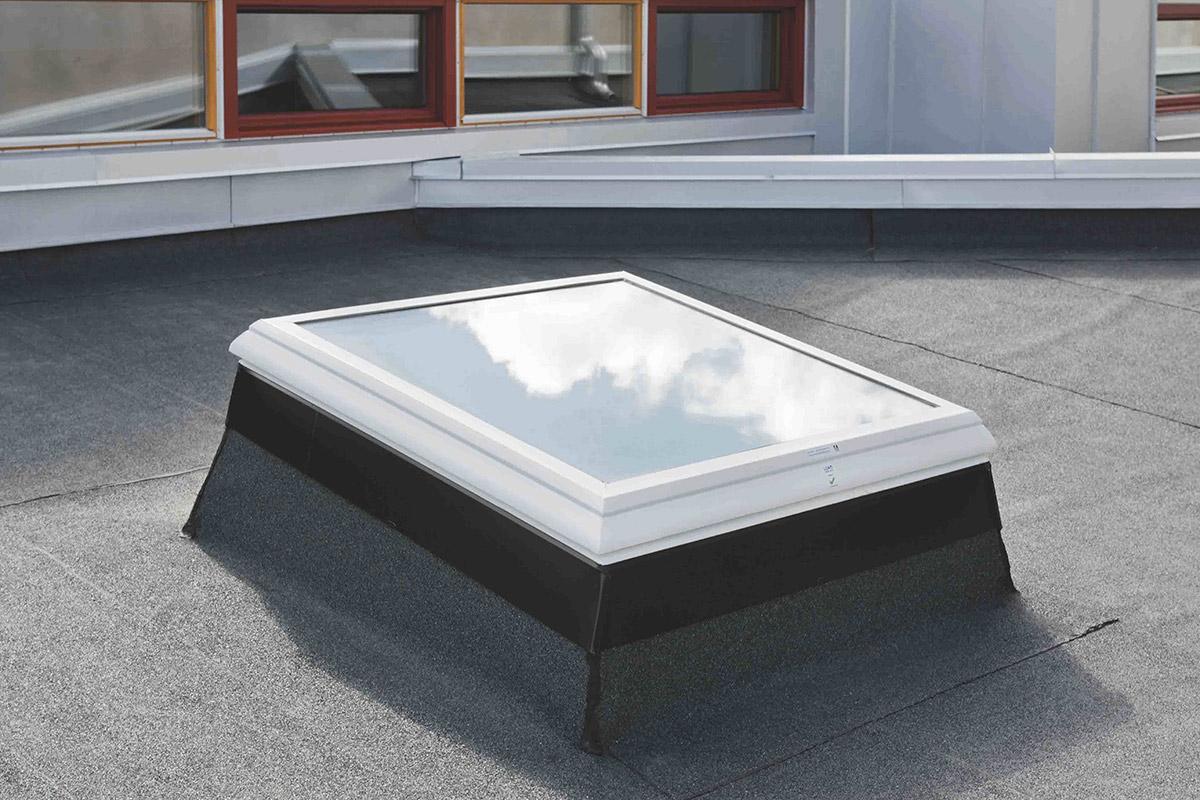 batijournal lamilux a lanc un nouveau lanterneau coupole pour toiture plate batijournal. Black Bedroom Furniture Sets. Home Design Ideas