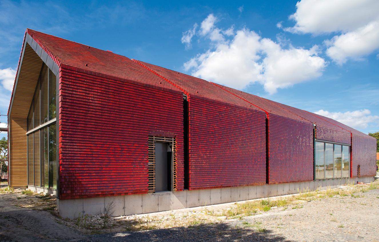 Batijournal la tuile terre cuite s invite dans les projets d architecture contemporaine for Architecture contemporaine