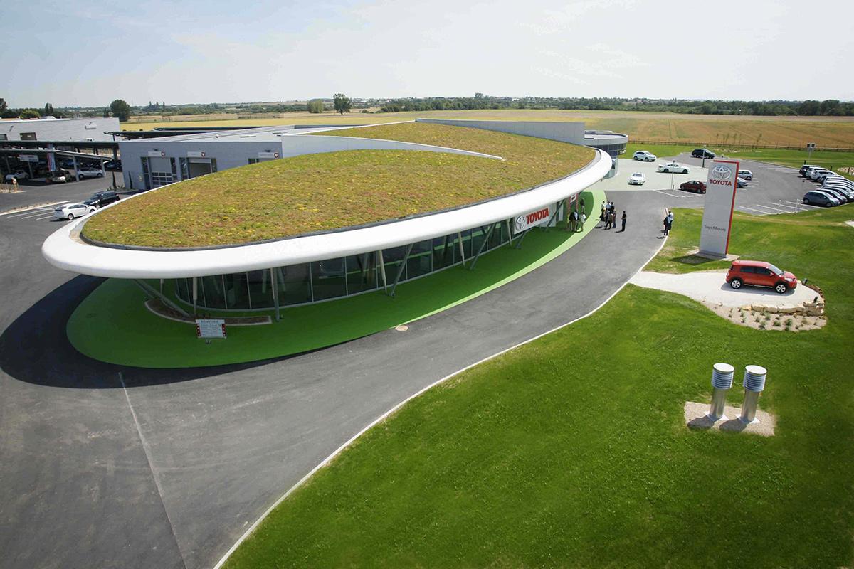 Bacs pré-cultivés modulaires pour la végétalisation extensive des toitures