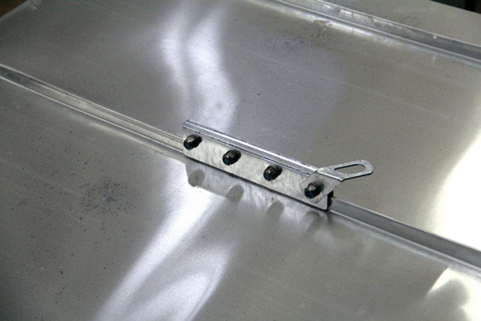 Ancrage E.P.I. pour toitures à joint debout