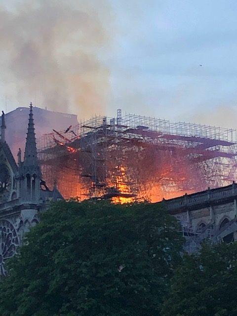 Notre-Dame de Paris : «Cette cathédrale, nous la rebâtirons tous ensemble»