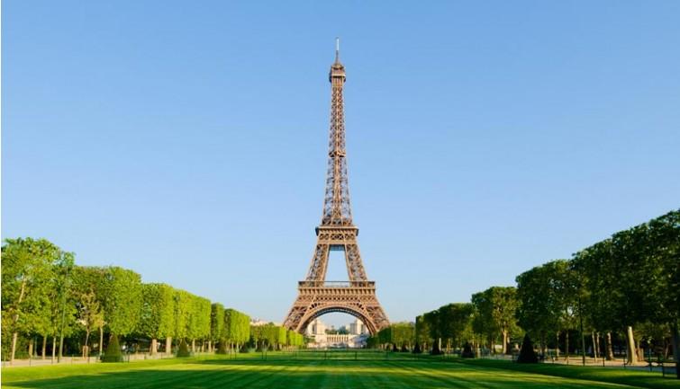 Pour les JO 2024 le site de la tour Eiffel sera piétonnisé et végétalisé